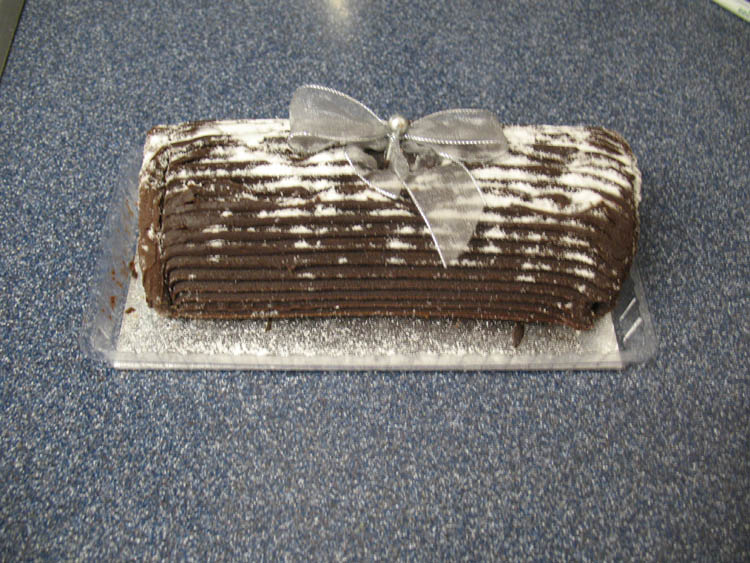 Yule log (Not available in the U.S.)